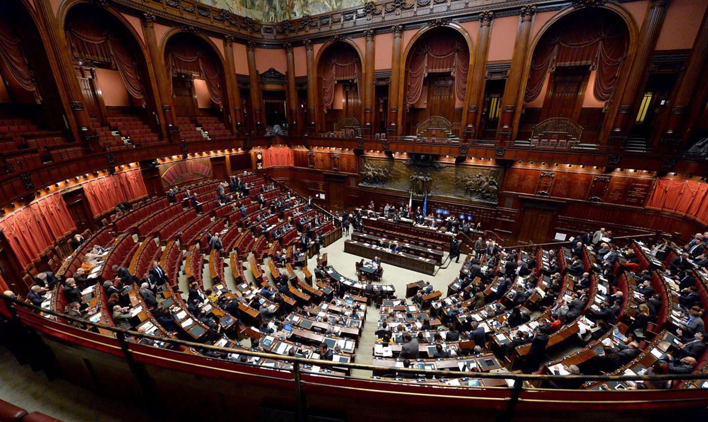 Governo conte primo si al senato oggi alla camera il for Discussione al senato oggi