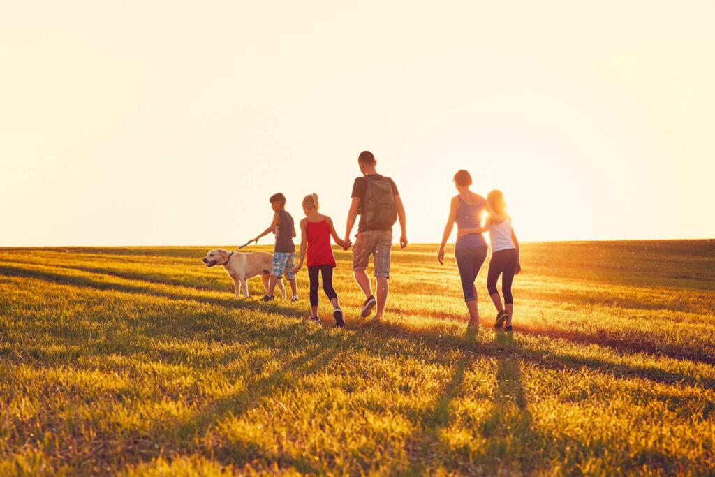 app_1920_1280_famiglia_tre_figli
